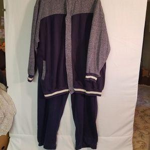 King size jogging suit